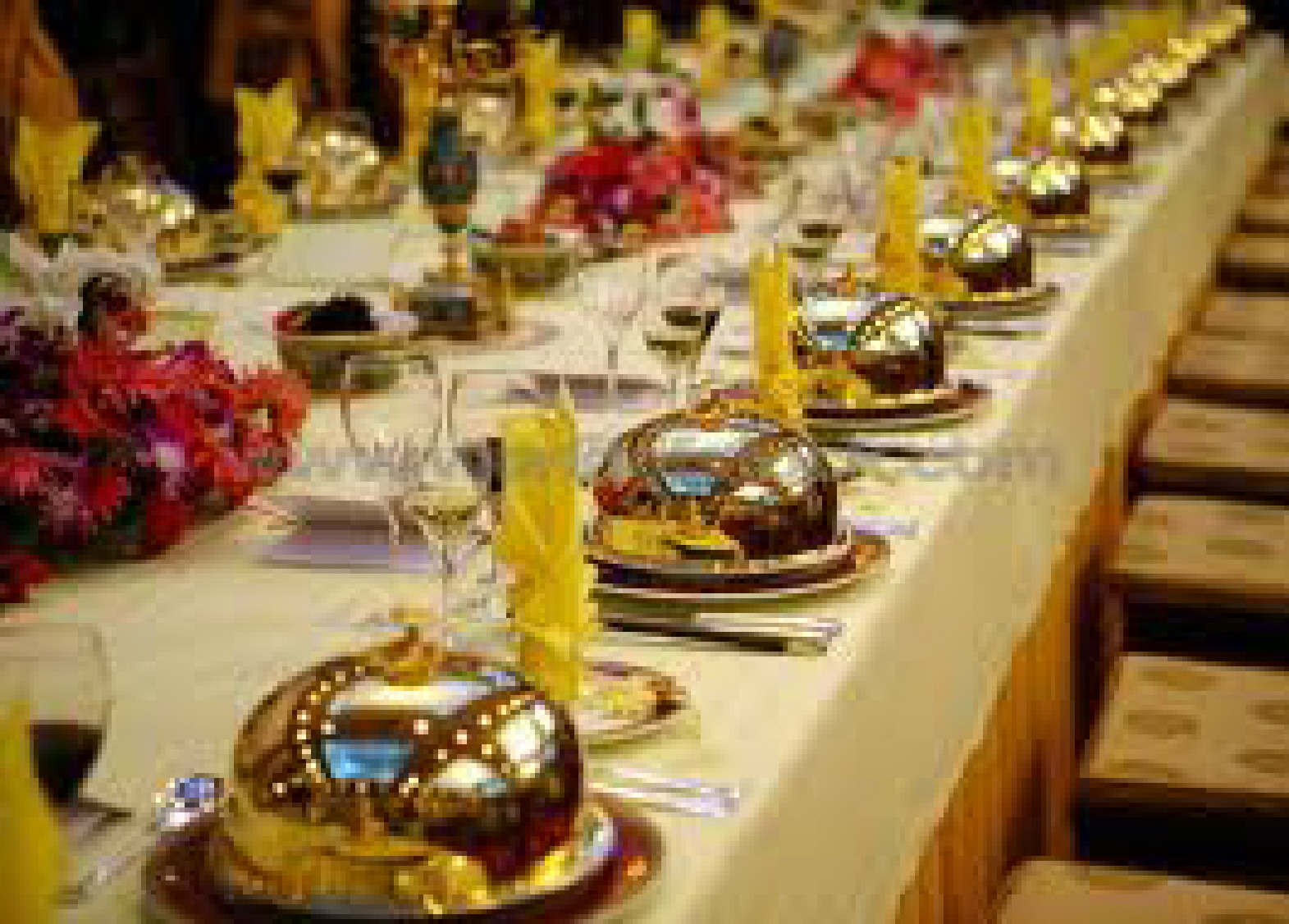 Queen Table Buffet Table