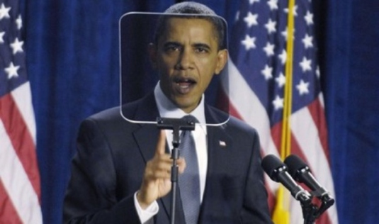 Obama and Teleprompter 1