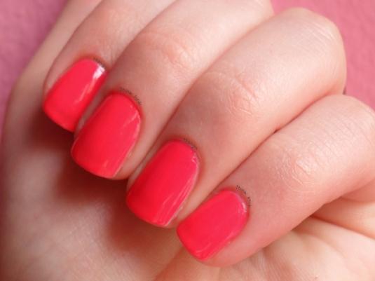 hot pink nail polish 1a