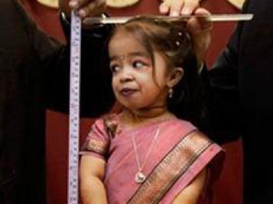 Jyoti Amge - shortest women 1a