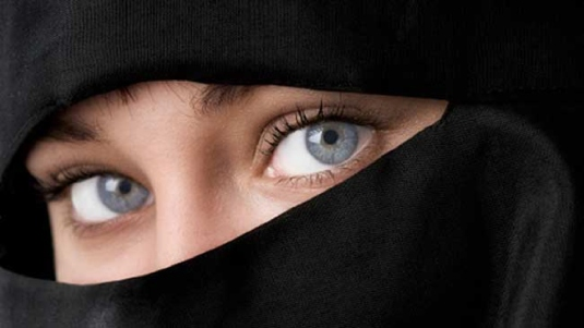 blue eyes and burqas 1