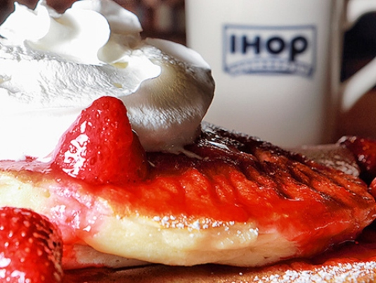 IHOP - strawberry pancakes 1