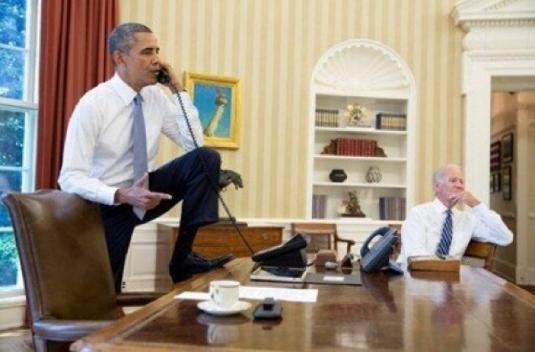Obama - foot defiling desk 1