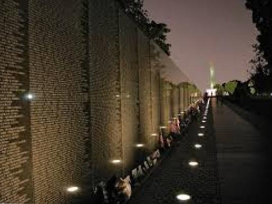 Vietnam wall - at dusk 2