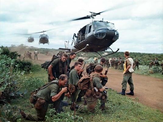 Vietnam War - choppers landing