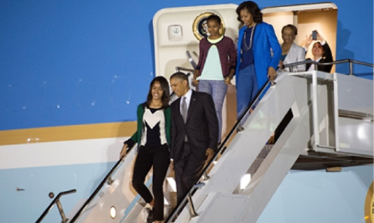 Obama family - Air Force One 1