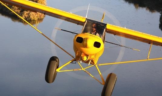 yellow airplane - graphic 1