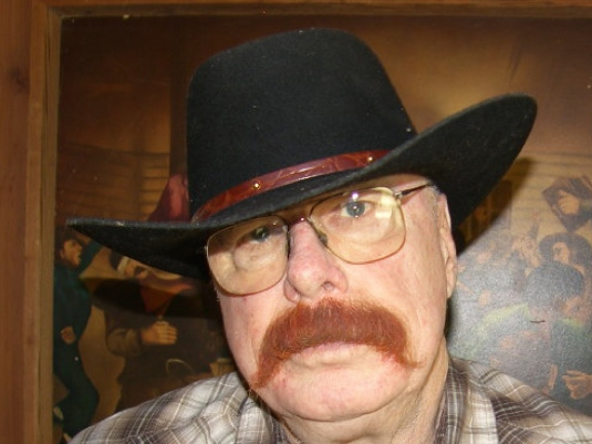 Chuck - Black hat 7a