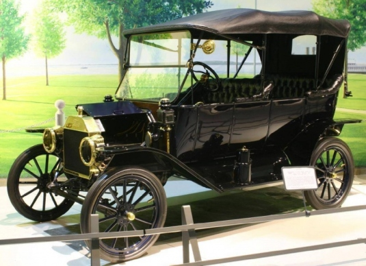 1913 - Ford