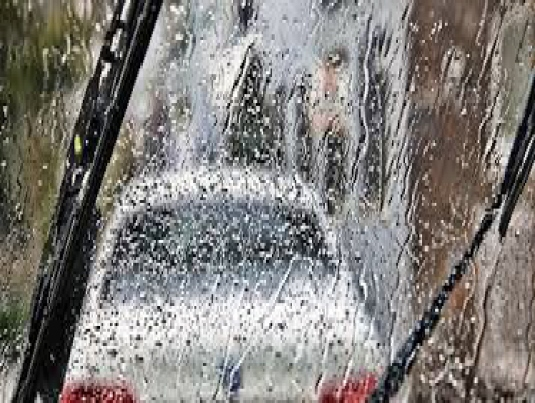 driving in the rain - graphic 1