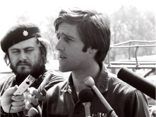 John Kerry Vietnam protester 1a