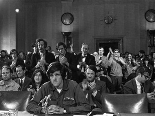 Kerry testifying before Congres