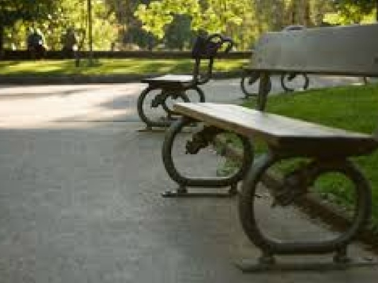 baby spittle Park bench 3