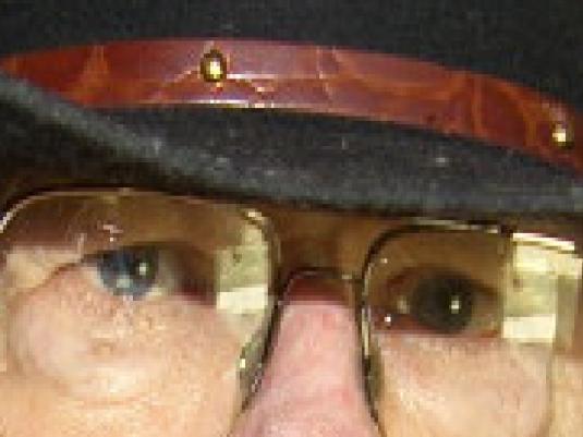 Chucks eyes 2a