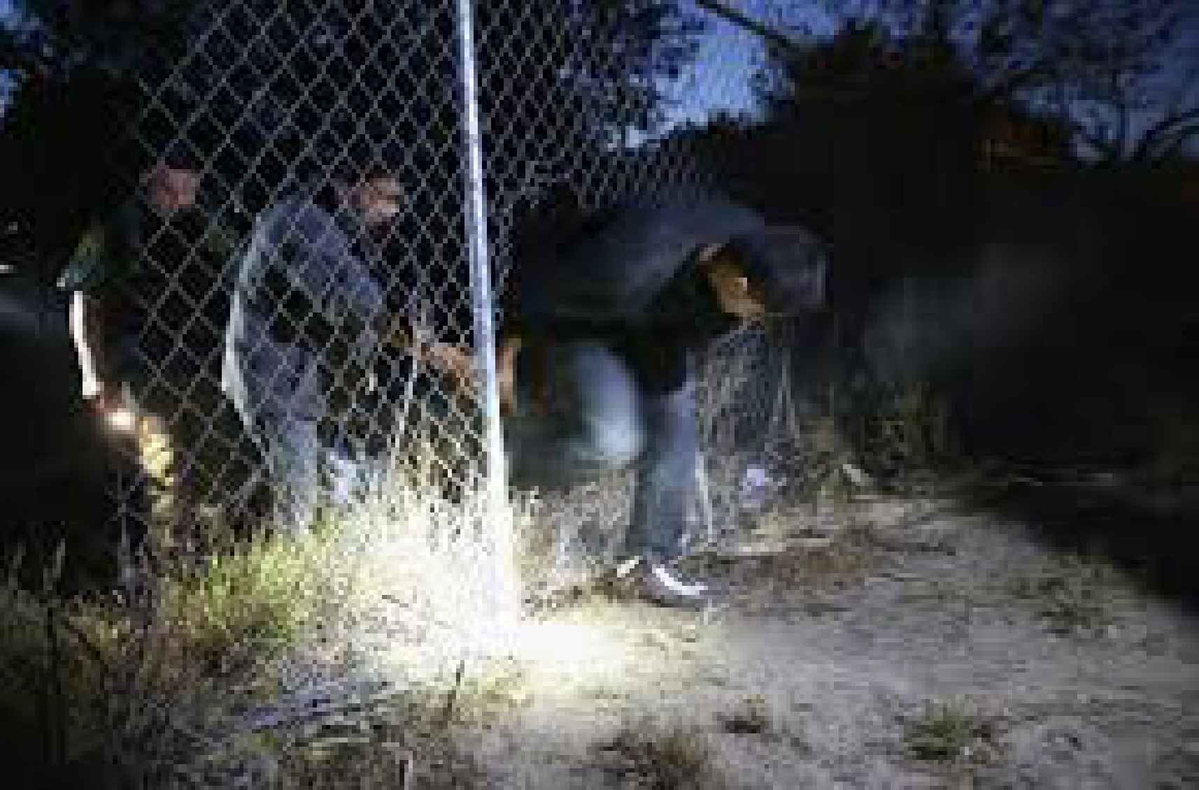 illegal immigration bad Illegal immigration and the presence of so many undocumented people in the united states is a serious problem, but the evidence suggests at least the problem has stabilized in recent years.